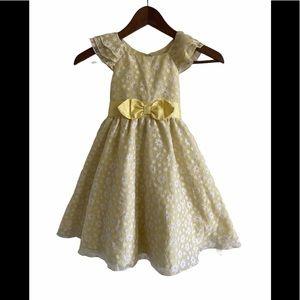 Jona Michelle pale yellow daisy dress